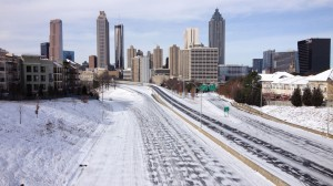 An intersection in downtown Atlanta seems to be deserted as people stay home to escape from the winter weather. Photo: wsbtv.com
