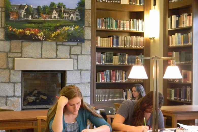 Pace Students 'Book-it' for Woodruff Library