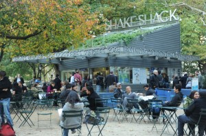 The original Shake Shack still exists today serving up fresh burgers to hungry customers. Photo: Madison Square Park