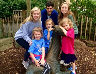 Seniors Take on Zoo Atlanta Hand-in-Hand with Pre-Firsters