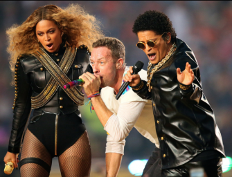 Super Bowl 50 Halftime Show Spreads Love