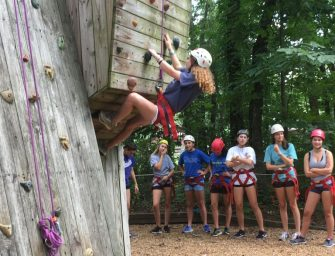 Freshmen Break Boundaries at Retreat